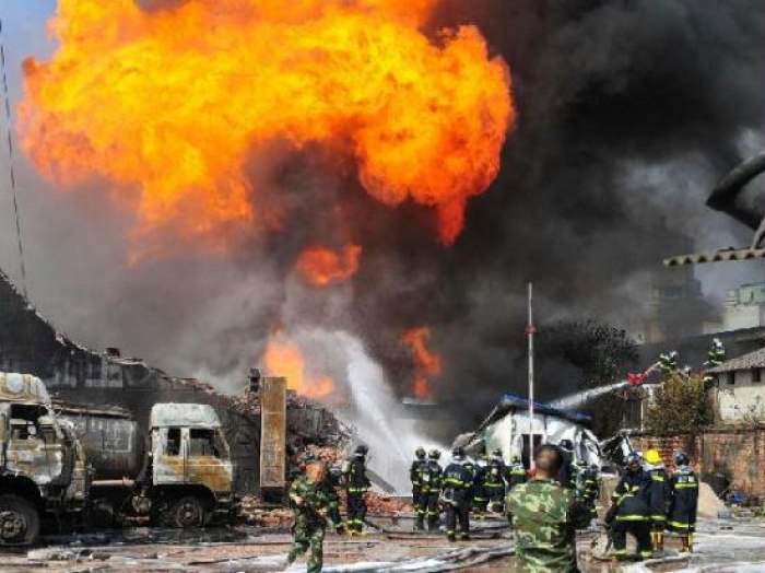 Explosion targets train shipping phosphate in central Syria