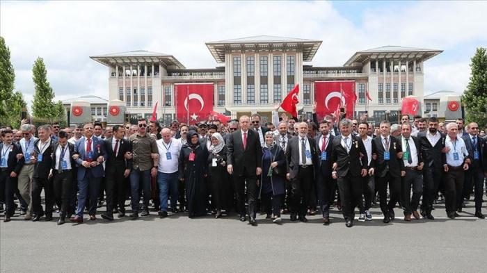 Turquie : le président Erdogan se rend au mémorial des martyrs du 15 juillet à Ankara
