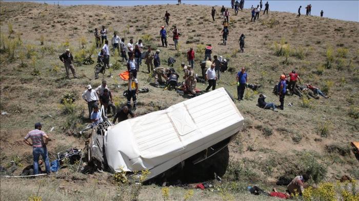 Accident de minibus en Turquie:   15 victimes selon un nouveau bilan