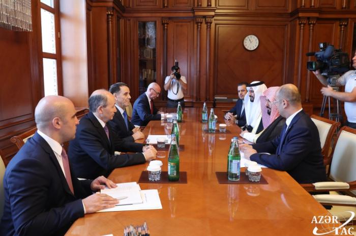 Le Premier ministre azerbaïdjanais rencontre le ministre saoudien de la Justice
