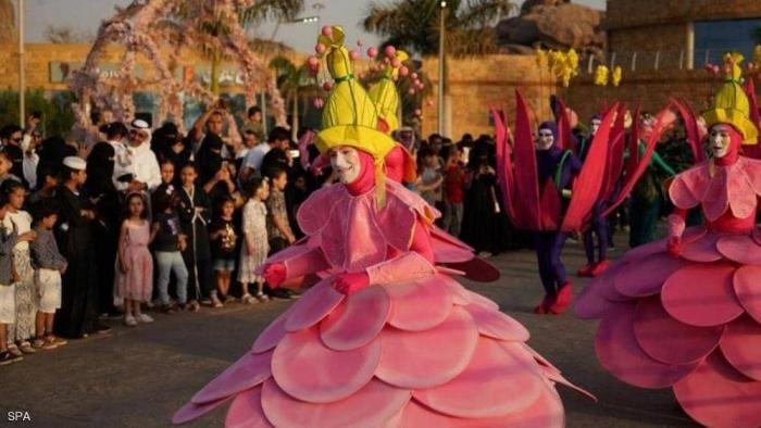 """""""سيرك الورد"""" يجوب مصيف العرب"""