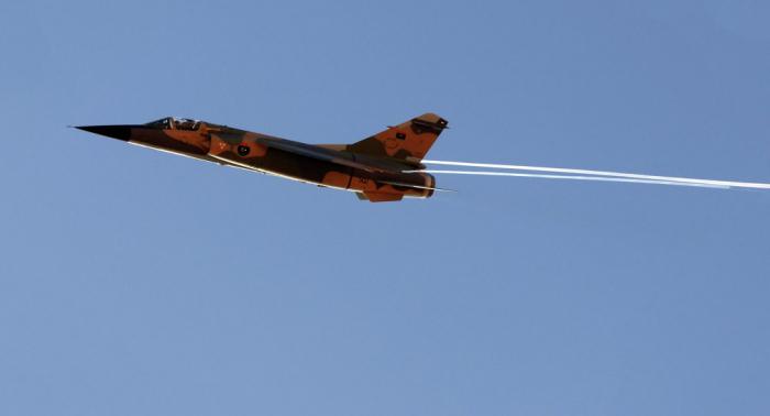 بـ13 غارة جوية... الجيش الليبي يقصف مخزنا للطائرات التركية في مصراتة