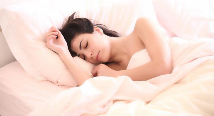 Des scientifiques recommandent de dormir nu pour des raisons sanitaires et écologiques