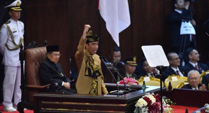 الرئيس الإندونيسي يطلب موافقة البرلمان على نقل العاصمة من جاكرتا