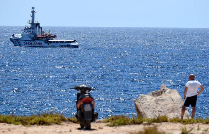Open Arms : Madrid envoie un navire militaire récupérer les migrants
