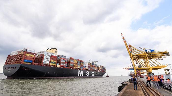 Das größte Containerschiff der Welt ist da