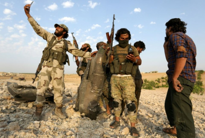 Syrie : les forces du régime entrent dans une ville clé du nord-ouest