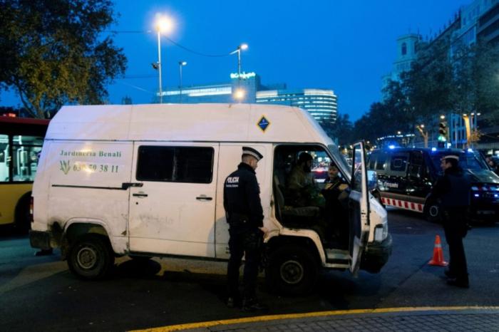 Espagne: vol avec violence à Barcelone contre l