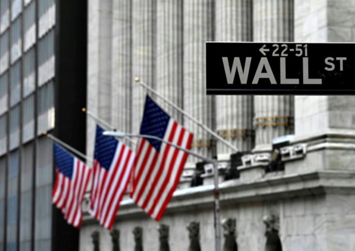 Trump fait chuter Wall Street en ravivant la guerre commerciale