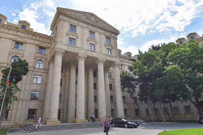 Im Namen der Bewohner von Kalbajar und Lachin eine schriftliche Erklärung gegenüber dem Außenministerium abgegeben