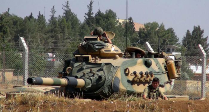وزير الدفاع التركي: أنقرة تصر على المنطقة الآمنة في سوريا بعرض 30-40 كيلومترا