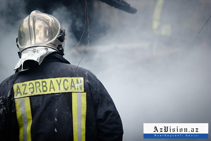 Bakıda ev yanıb, 66 yaşlı qadın xilas edilib