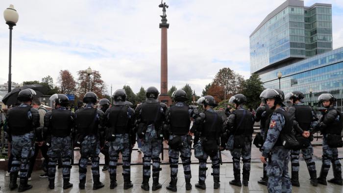 VIDEOS/FOTOS:  Unos 600 detenidos en la manifestación no autorizada contra la descalificación de candidatos a las elecciones municipales en Moscú