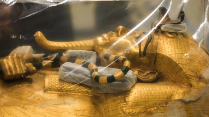 Neuer Glanz für Tutanchamuns Sarg