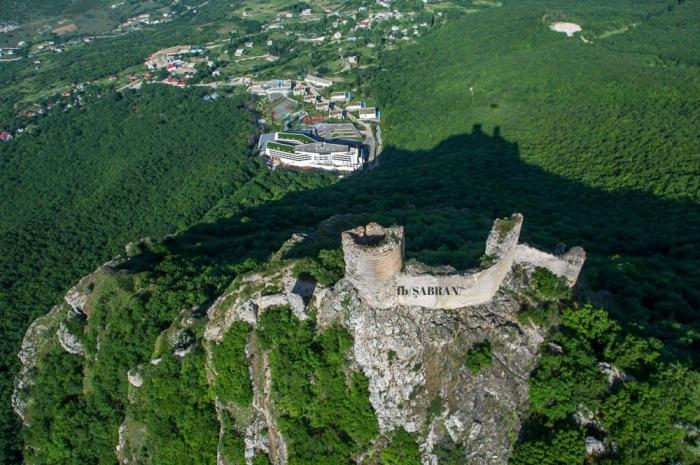 Fortaleza de Chirag Gala es un sitio histórico en Siyazan