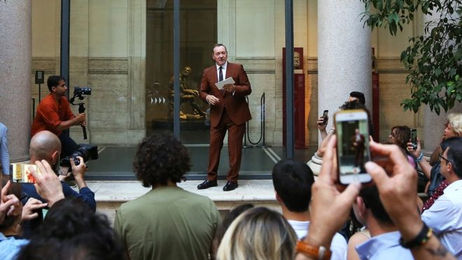 Kevin Spacey returns to public eye with Rome poetry reading