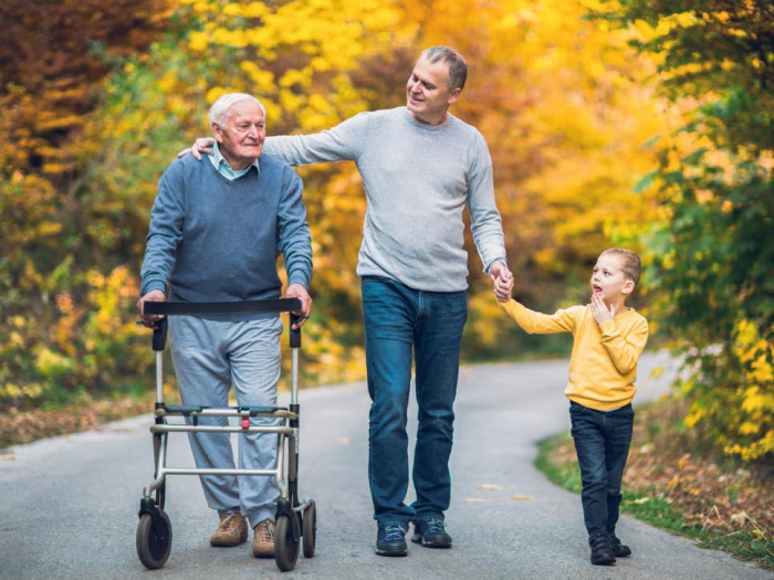 Seeing friends regularly lowers dementia risk, study suggests