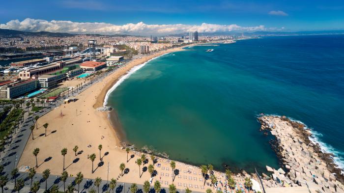 Women can swim topless, saysBarcelona city council