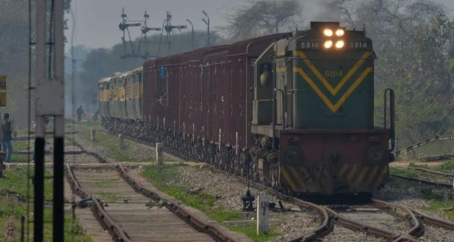 Pakistan suspends train service to India amid escalating Kashmir dispute