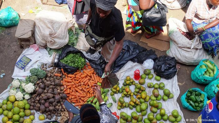 At least 200,000 Nigerians die from food poisoning annually: official