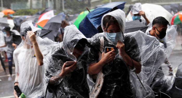 """Taifun """"Lekima"""" zieht über Taiwan und lässt 3000 Haushalte ohne Strom –   Videos"""