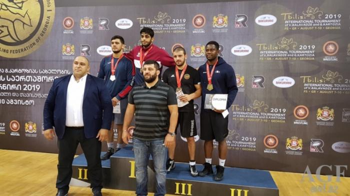 Qran-Prinin son günü: Güləşçilərimiz 5 medal qazandı