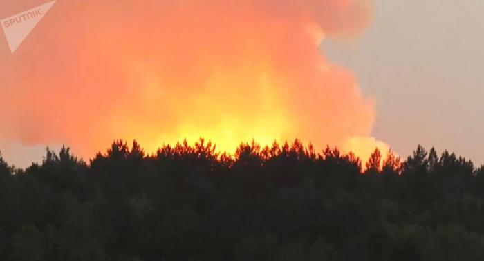 Dan por apagado el segundo incendio en un depósito militar de Siberia