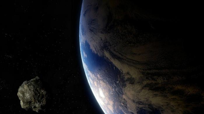 """Un asteroide """"potencialmente peligroso"""" del tamaño de la Gran Pirámide de Guiza se dirige hacia la Tierra"""