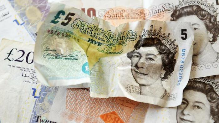 Pfund erreicht zum Euro Zehnjahrestief