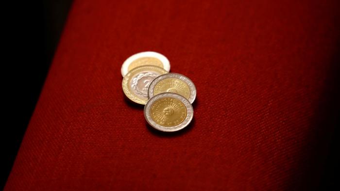Caen monedas latinoamericanas tras la depreciación del peso argentino