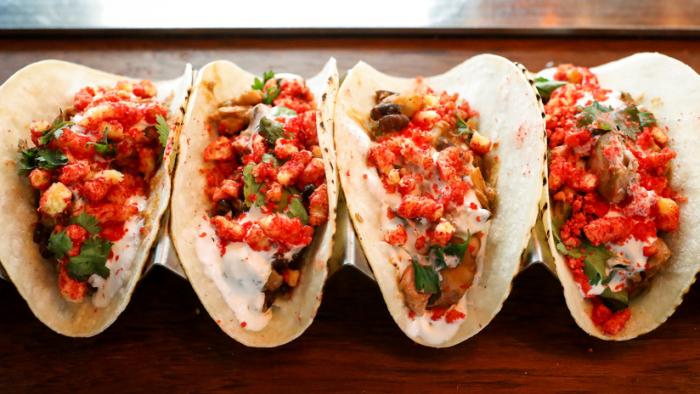 Un hombre muere en California tras concursar por la mayor ingesta de tacos