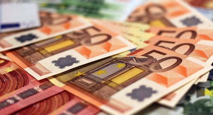 Zollfund: Mann versteckt 20.000 Euro in … Babywindeln