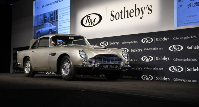 El Aston Martin DB5 de James Bond, subastado por $6,4 millones