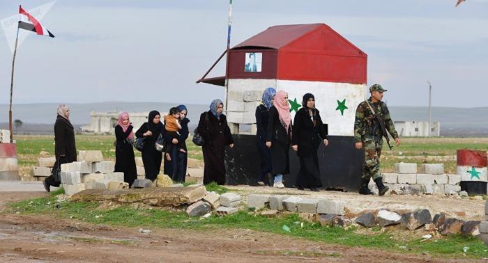 Más de 900 refugiados sirios retornan a su país en un día
