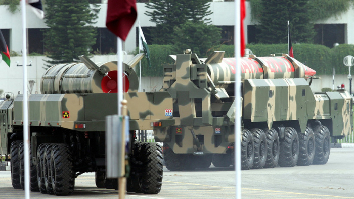 """Fuerzas Armadas de Pakistán advierten de que """"Cachemira es un foco de tensión nuclear"""""""