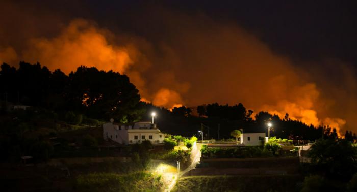 Más de 2.000 evacuados por nuevo incendio en Gran Canaria
