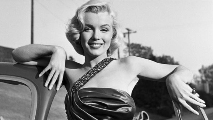 Un famoso fotógrafo captó imágenes del cadáver deMarilyn Monroe tras colarse en la morgue y las escondió en una caja de seguridad