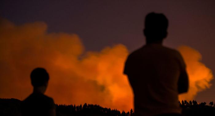 Unos 5.000 evacuados por el incendio en Gran Canaria
