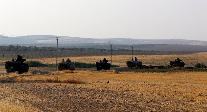 Un convoy de blindados turcos entra en Idlib y se dirige a Jan Sheijun