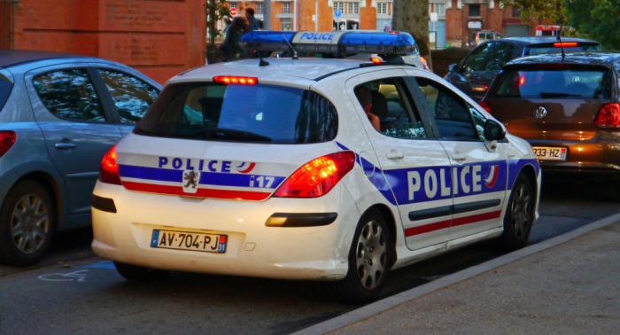 Mann mit toter Ehefrau im Kofferraum in Frankreich unterwegs
