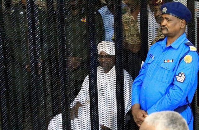 Ex-Sudan president got millions from Saudis, courthears