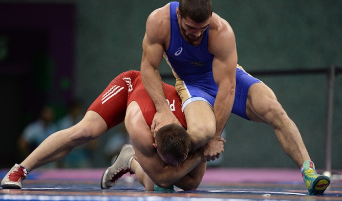 Azerbaijani freestyle wrestlers to battle for medals in Russia
