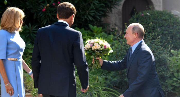 """Macron spricht nun Russisch – """"Russland ist ein zutiefst europäisches Land ..."""""""