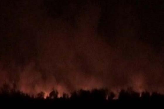 Armenische Militäreinheiten steckten das Dorf Gulluja der Region Aghdam in Brand