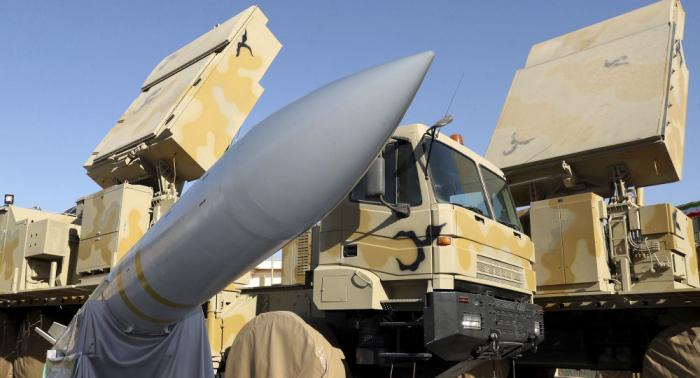 """Iran präsentiert offiziell eigenen Luftabwehrkomplex   """"Bavar-373"""""""