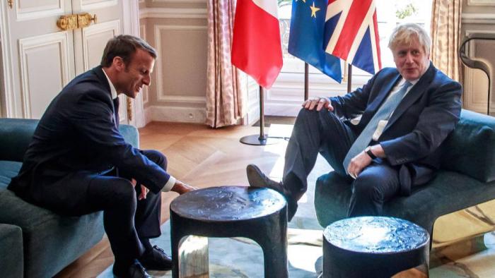 Macron avisa a Johnson de que no hay margen para renegociar el Brexit