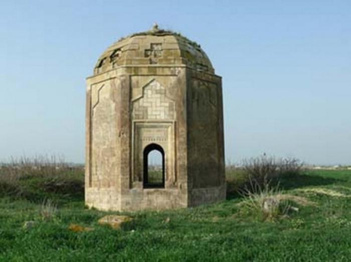 Monumentos históricos destruidos por armenios en Fuzuli-  FOTOS