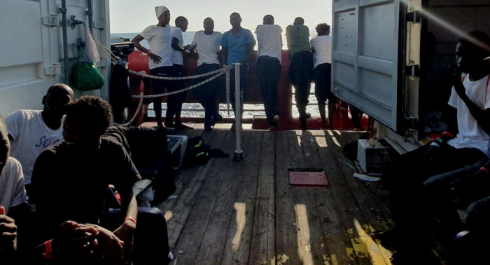 Francia acogerá a 150 migrantes del barco Ocean Viking