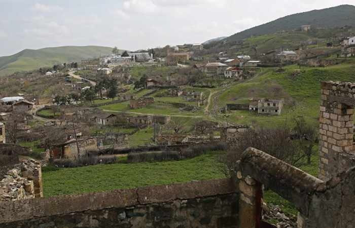 Religiöse Denkmäler in besetzten aserbaidschanischen Gebieten Vandalismus ausgesetzt
