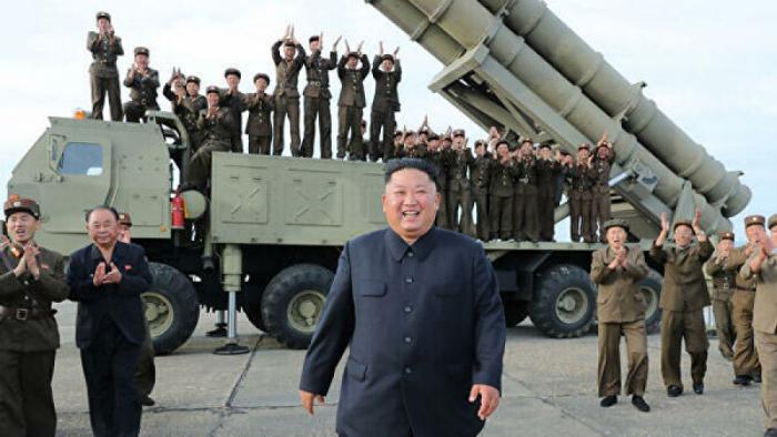 Şimali Koreyanın nəhəng raket qurğusu